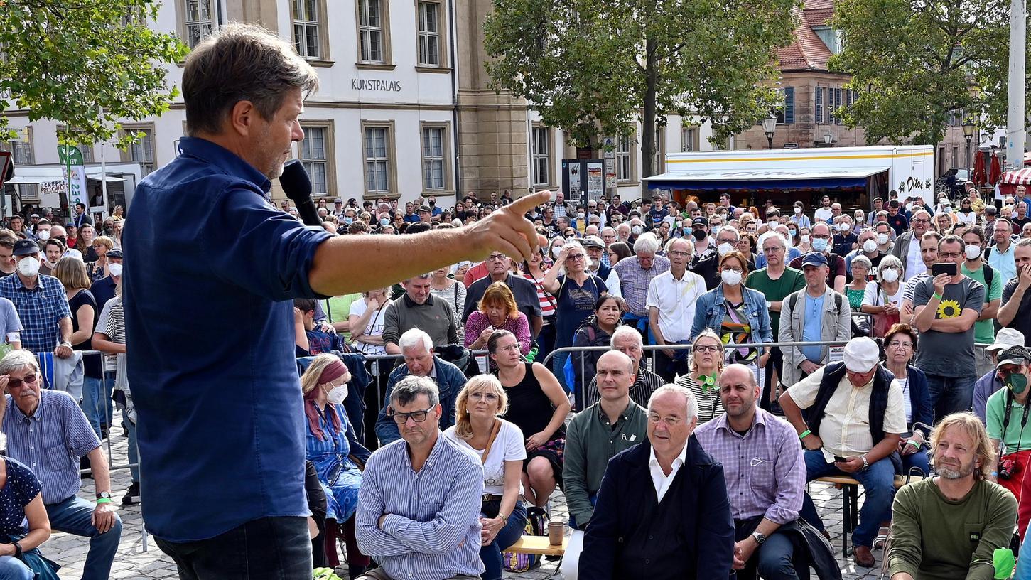 Keine zwei Wochen vor der Bundestagswahl machte das Grüne Wahlkampfteam mit Robert Habeck Station in Erlangen.