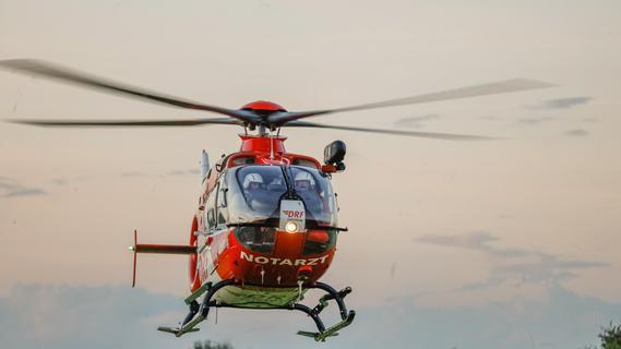 Hubschraubereinsatz: 23-Jähriger wird bei der Ernte in Walzenwerk gezogen