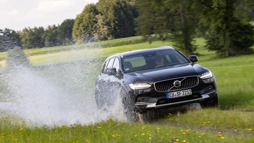 Als robuster Allrad-Kombi heißt der Volvo V90