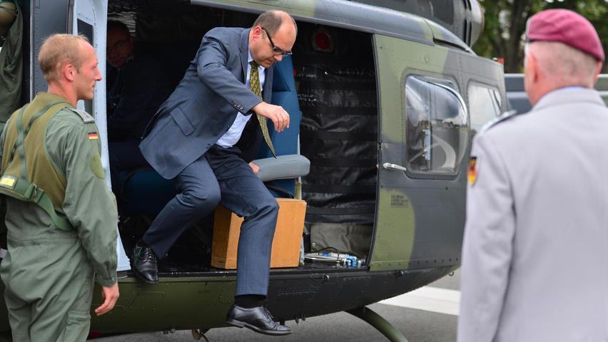 Christian Schmidt steigt aus: Der langjährige Abgeordnete – hier während seiner Zeit als Parlamentarischer Staatssekretär im Verteidigungsministerium – wird dem neuen Bundestag nicht mehr angehören.