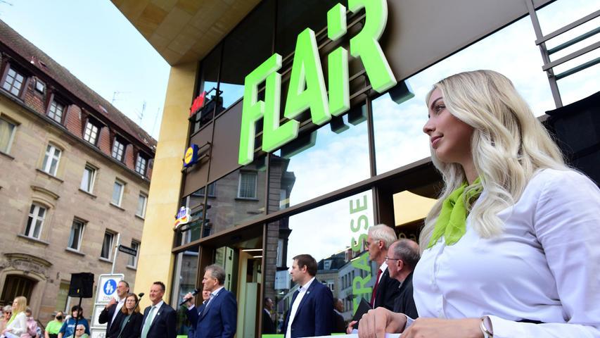 Die Fürther feiern ihr neues Einkaufzentrum