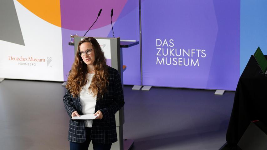 Moderiert wurde die Eröffnungsfeier von der Wissenschaftsredakteurin des Verlags Nürnberger Presse, Christina Merkel.