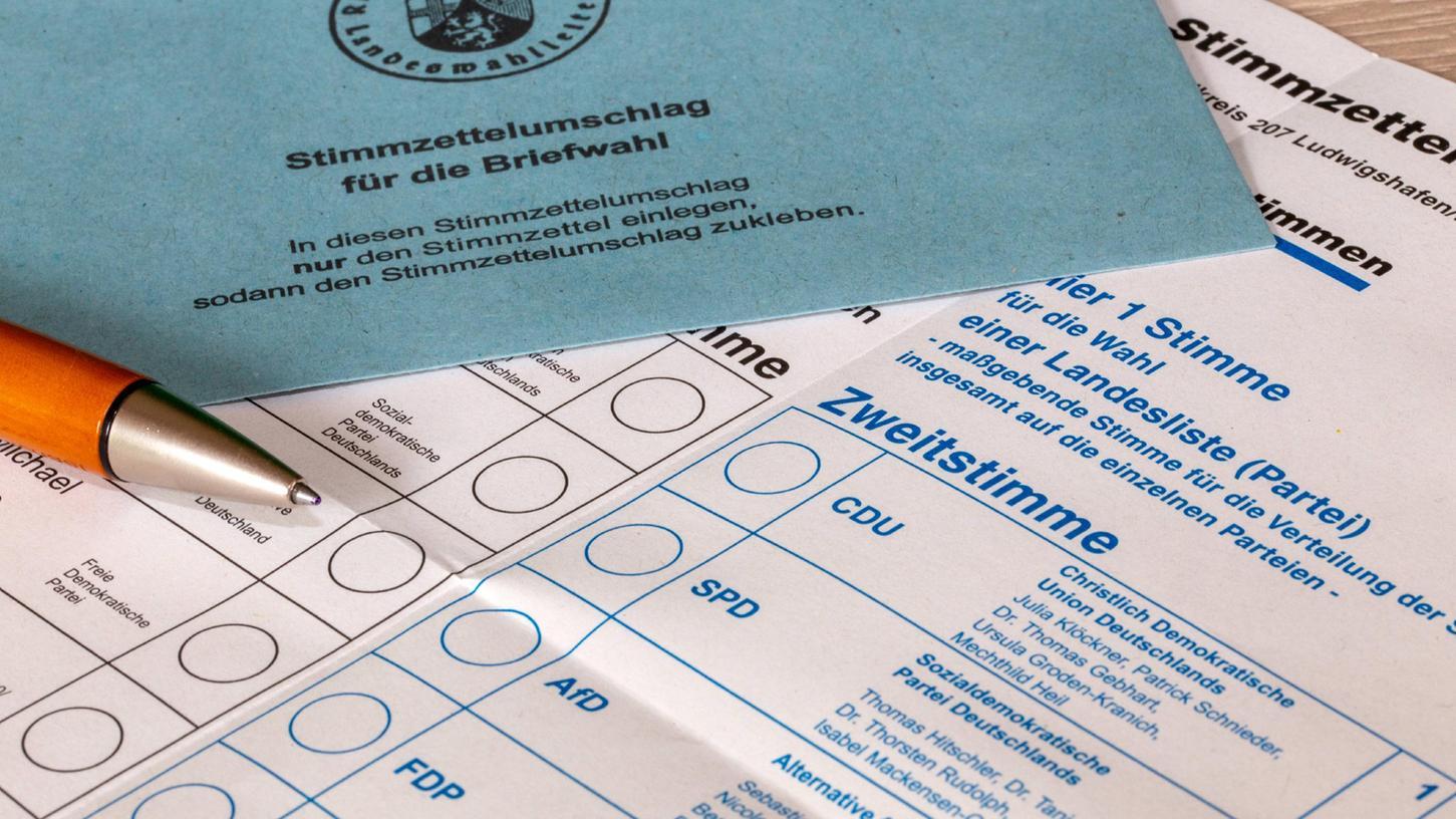 Ein Stimmzettelumschlag für die Briefwahl.