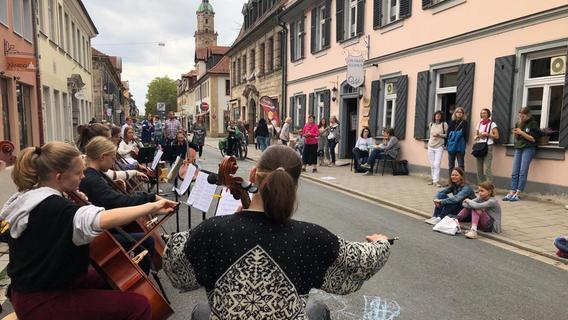 Celloklänge auf der Verkehrsader
