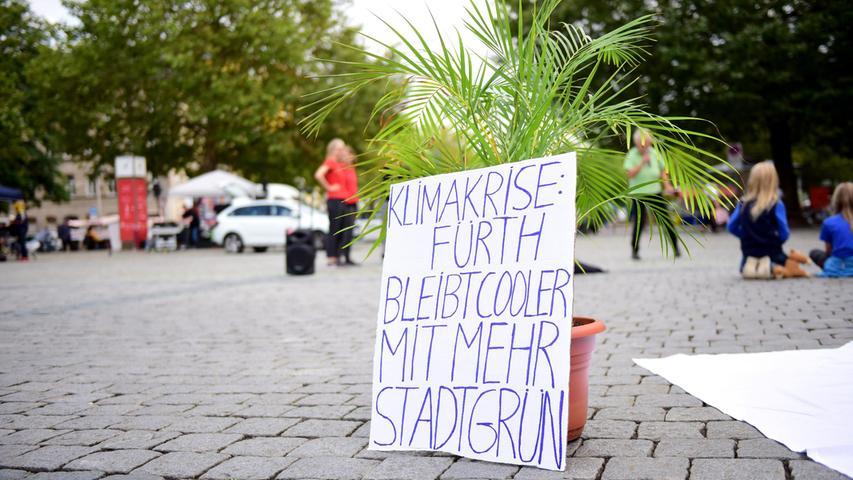 Parking Day: Bäume statt Autos auf der Freiheit