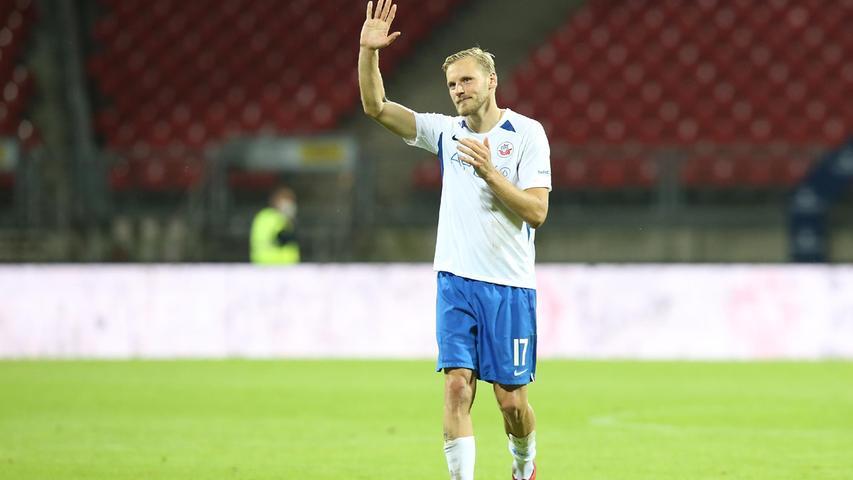 Nach der Partie gab es für Hanno Behrens noch einen warmen Applaus von den Club-Fans.