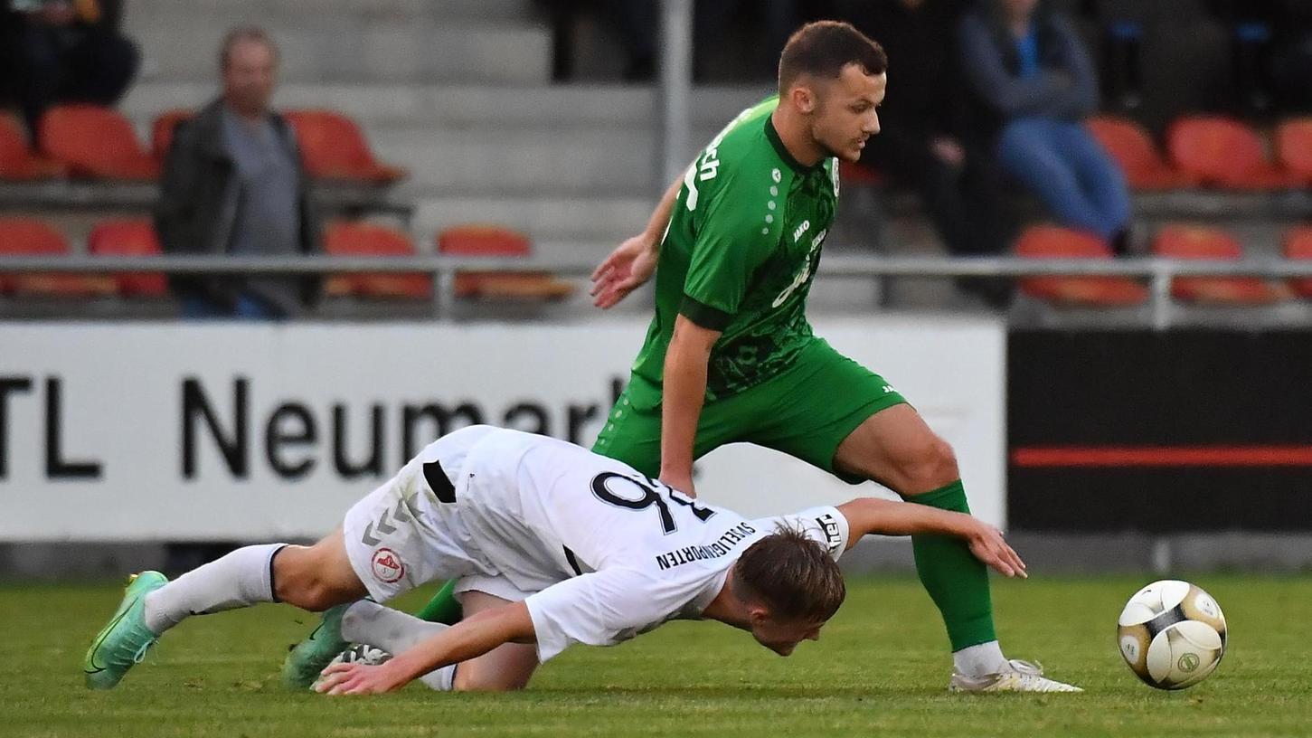 Justin Kussmann und der SV Seligenporten (weißes Trikot) hatten Ansbach nicht genug entgegensetzen.