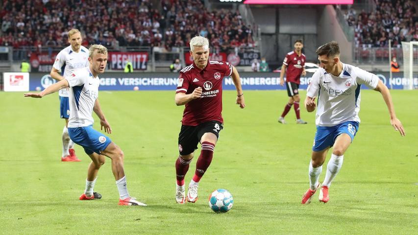 Nürnbergs Neuzugang machtejüngst richtig Spaß. Gegen Rostock drehte der Torschütze der letzten beiden Partien seinen Erfolgsfilm allerdings nicht weiter, weil er nicht in die gefährlichen Räume kamund im Spielaufbau oftzu bräsig und fehlerhaft agierte.