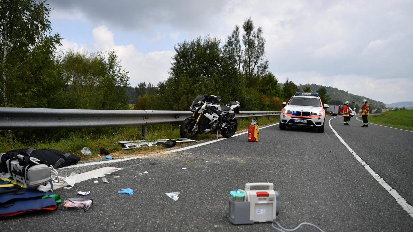 Das Motorrad des gestürzten Bikers. Der Mann kam mit dem Rettungshubschrauber ins Krankenhaus.