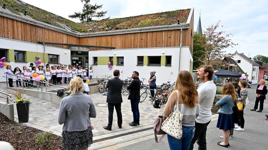 Aus Alt mach Neu: Saniertes Kinderhaus Sandberg in Erlangen-Bruck in Betrieb