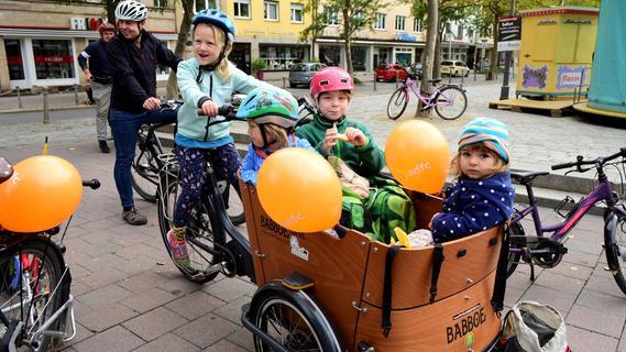 Familienfreundliche Fahrrad-Demo durch die Fürther Südstadt