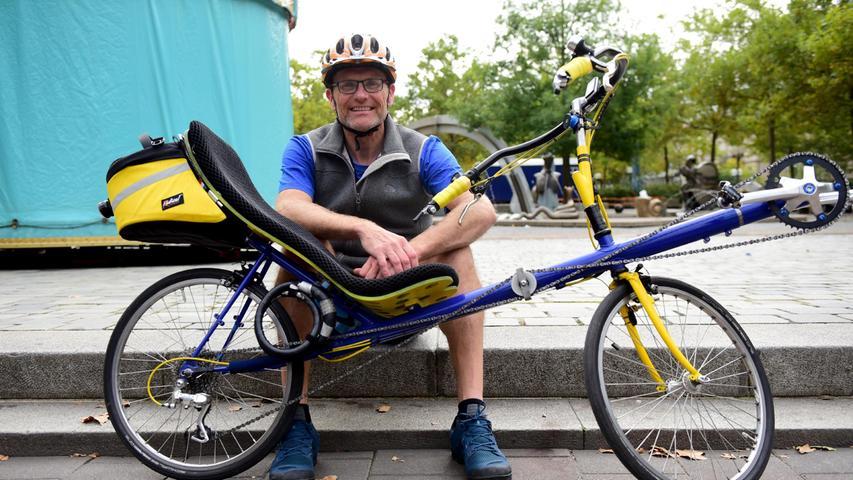FOTO: Hans-Joachim Winckler DATUM: 19.9.2021 MOTIV: Kidical mass - über 50 Kinder und Erwachsene machten sich vom Paradiesbrunnen aus auf den Weg in die Südstadt, um für mehr Farhrradfreundlichkeit und mehr sichere Radwege insbesondere für Kinder zu demonstrieren