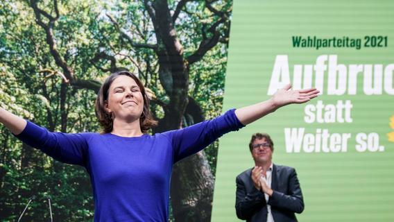 Wahl-Ticker: Baerbock ruft zum Kampf um Stimmen der Unentschlossenen auf