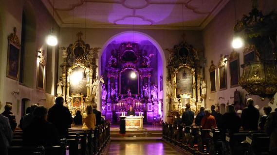 Nacht der offenen Kirchen zieht zahlreiche Interessierte in Forchheims Gotteshäuser