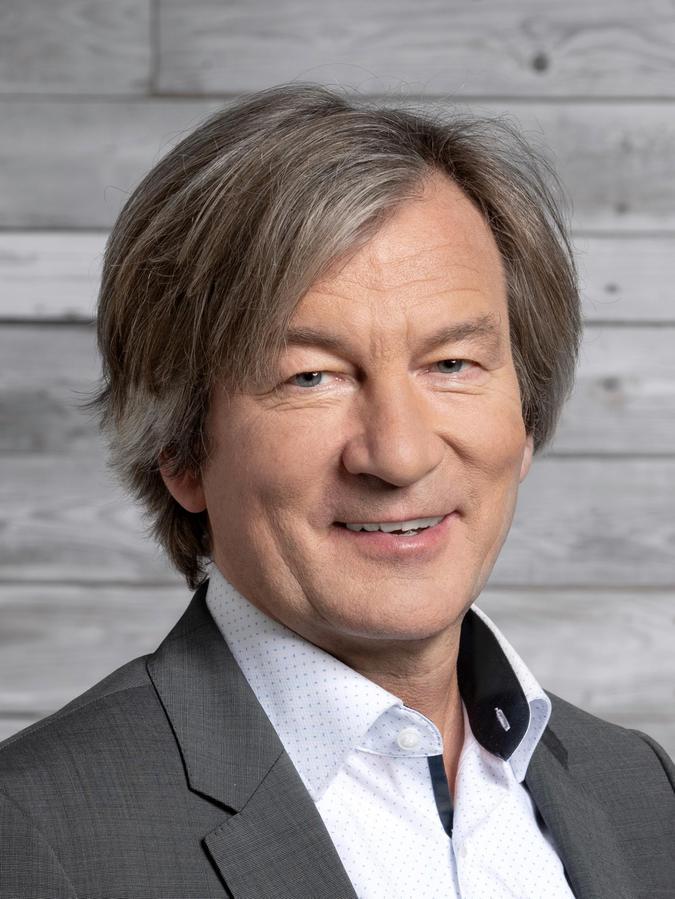 Erich Maurer von der Energieagentur Nordbayern fordert ein klares Bekenntnis zur Windenergie - auch in der Fränkischen Schweiz.