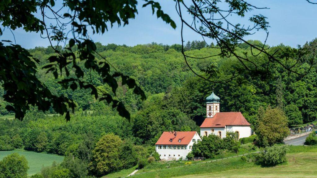Idyllisch und das schon seit 1000 Jahren: Walkersbrunn bei Gräfenberg.