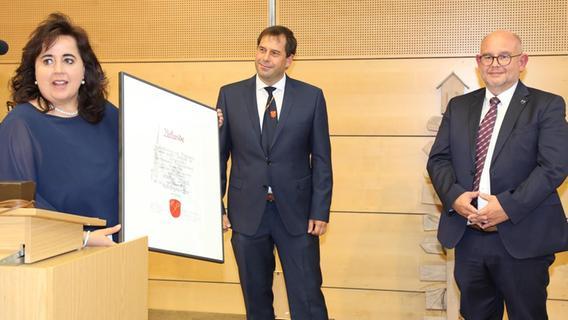 Für 19 Jahre Amtszeit als Bürgermeister: Stefan Maul geehrt