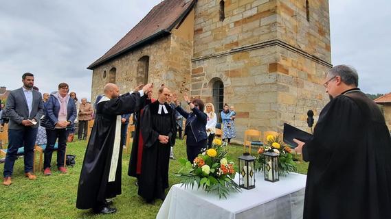 Neuer Bronner Pfarrer eingesegnet