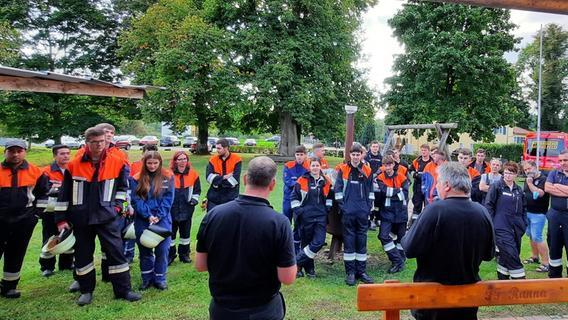 Nachwuchs in Theorie und Praxis fit: Ausbildung bei den Feuerwehren in der Region