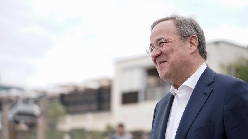 Wahl-Ticker: Laschet hofft auf Stimmen der noch unentschiedenen Wähler