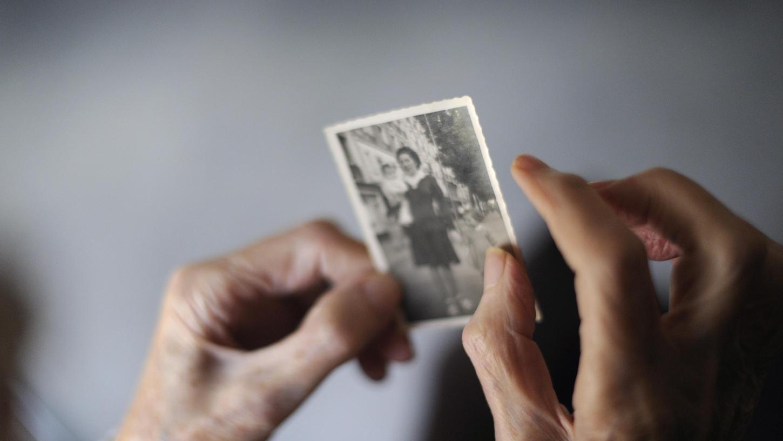 Wenn die Erinnerung verblasst: Demenz kann grausam sein.