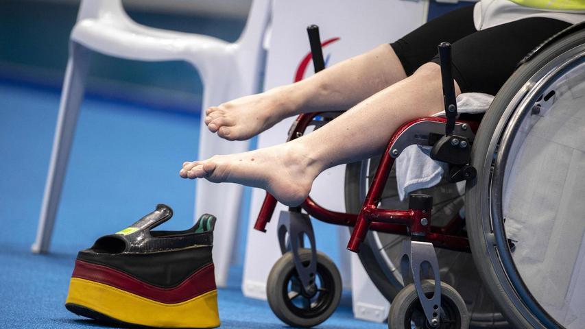 Um sich bewegen zu können, braucht Josia Topf einen speziellen Schuh - in Tokio sogar in Deutschland-Farben.