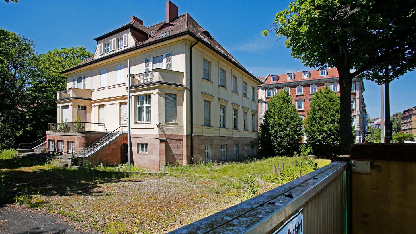 Beeindruckender Bau: Die BND-Villa soll nach Jahren des Leerstands nun verkauft werden.