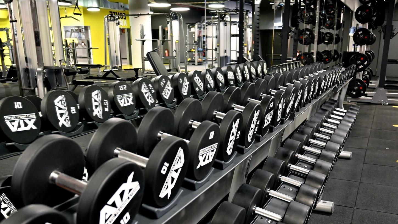 """In den Fitnessstudios ist endlich wieder mehr los: Richtig voll aber wird es im neu eröffneten """"Fit Star"""" in Erlangen nicht. Noch immer fehlen viele neue Mitglieder."""