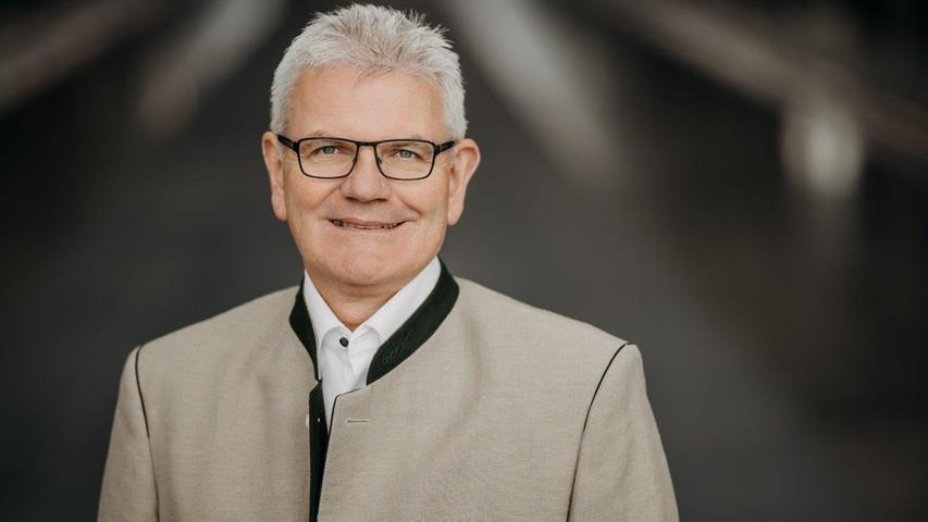 Die Stadt Ansbach sowie die KreiseAnsbach und Weißenburg-Gunzenhausen bilden bei der Bundestagswahl 2021 einen Wahlkreis mit 321.000 Einwohnern. Und die dortigen Wähler entschieden: Artur Auernhammer soll direkt in den Bundestag ziehen. Bereits bei der Wahl 2017 setzte er sich gegen die Konkurrenz durch.