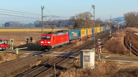 Was passiert mit dem Bahnübergang bei Grönhart?