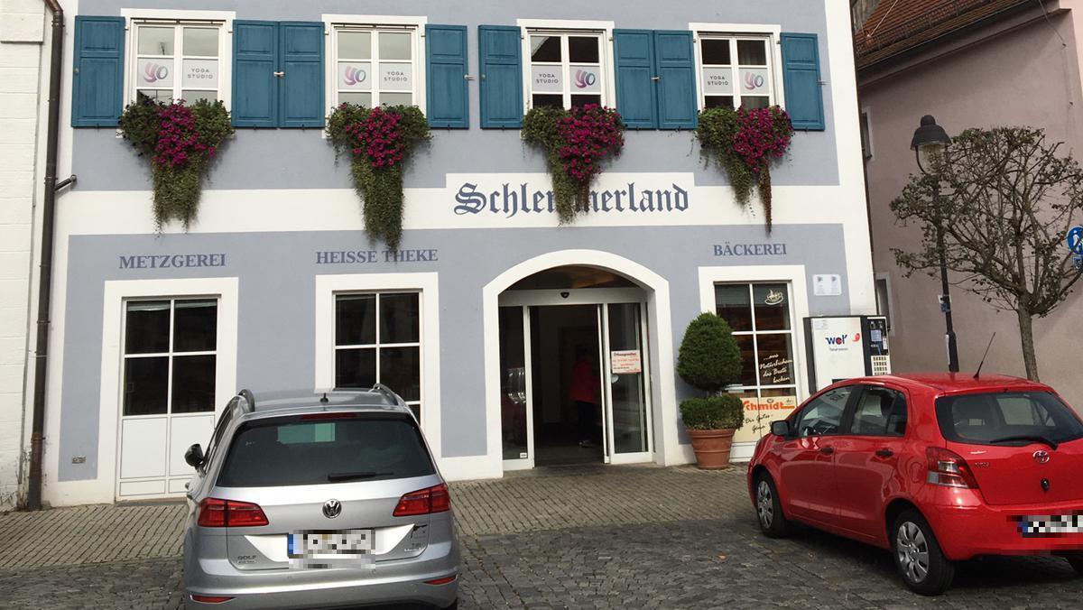 """Im Hilpoltsteiner """"Schlemmerland"""" wird es künftig einen Partyservice samtImbiss und Feinkostabteilung geben."""