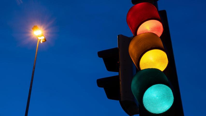 Es gibt mehrere Möglichkeiten, welche politischen Farben in der neuen Regierung vertreten sind. Rot, Schwarz, Gelb oder Grün.