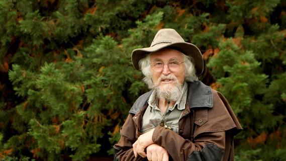 Hans Dieter Knapp ist Geobotaniker und Landschaftsökologe.