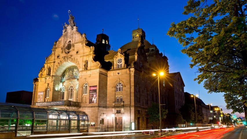 Die Generalsanierung des Opernhaus soll vonweiteren städtebaulichen Maßnahmen flankiert werden.