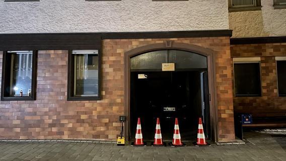 Boden abgesackt: In der Altstadt von Baiersdorf mussten 25 Anwohner evakuiert werden