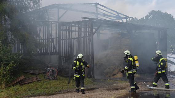 Köstlbach: Fahrsilo total ausgebrannt