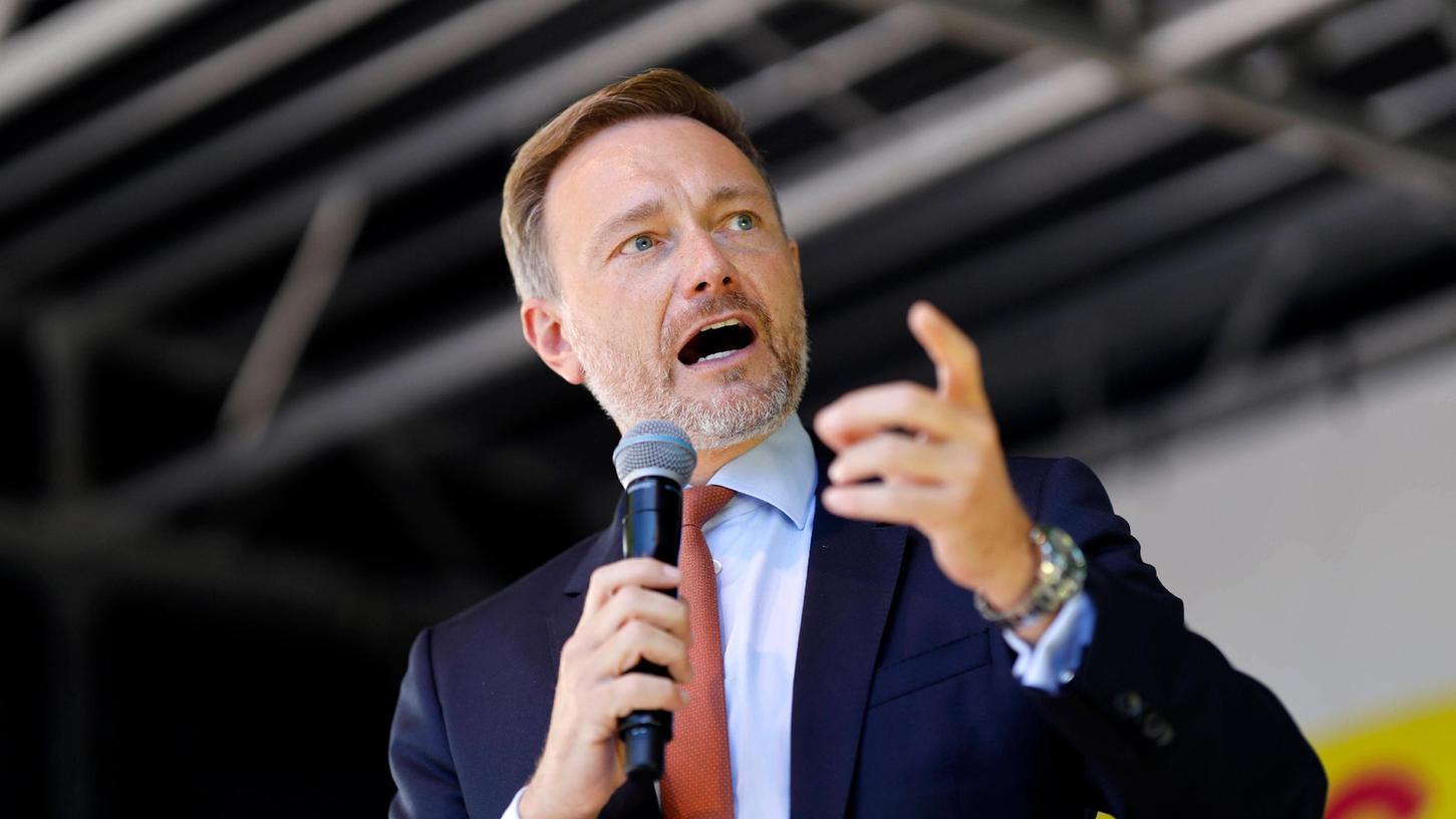 Christian Lindner beim Wahlkampfabschluss der FDP für die Bundestagswahl 2021 auf dem Rudolfplatz.