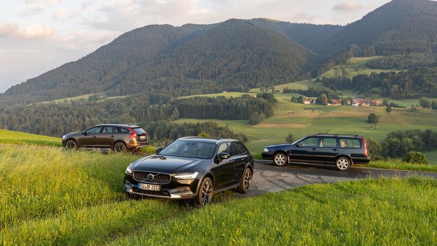 Heute steht der V90 Cross Country (vorn) der Modellfamilie vor.