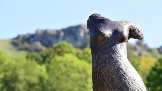 Kirchehrenbach: Skulpturen zu Füßen des Walberla