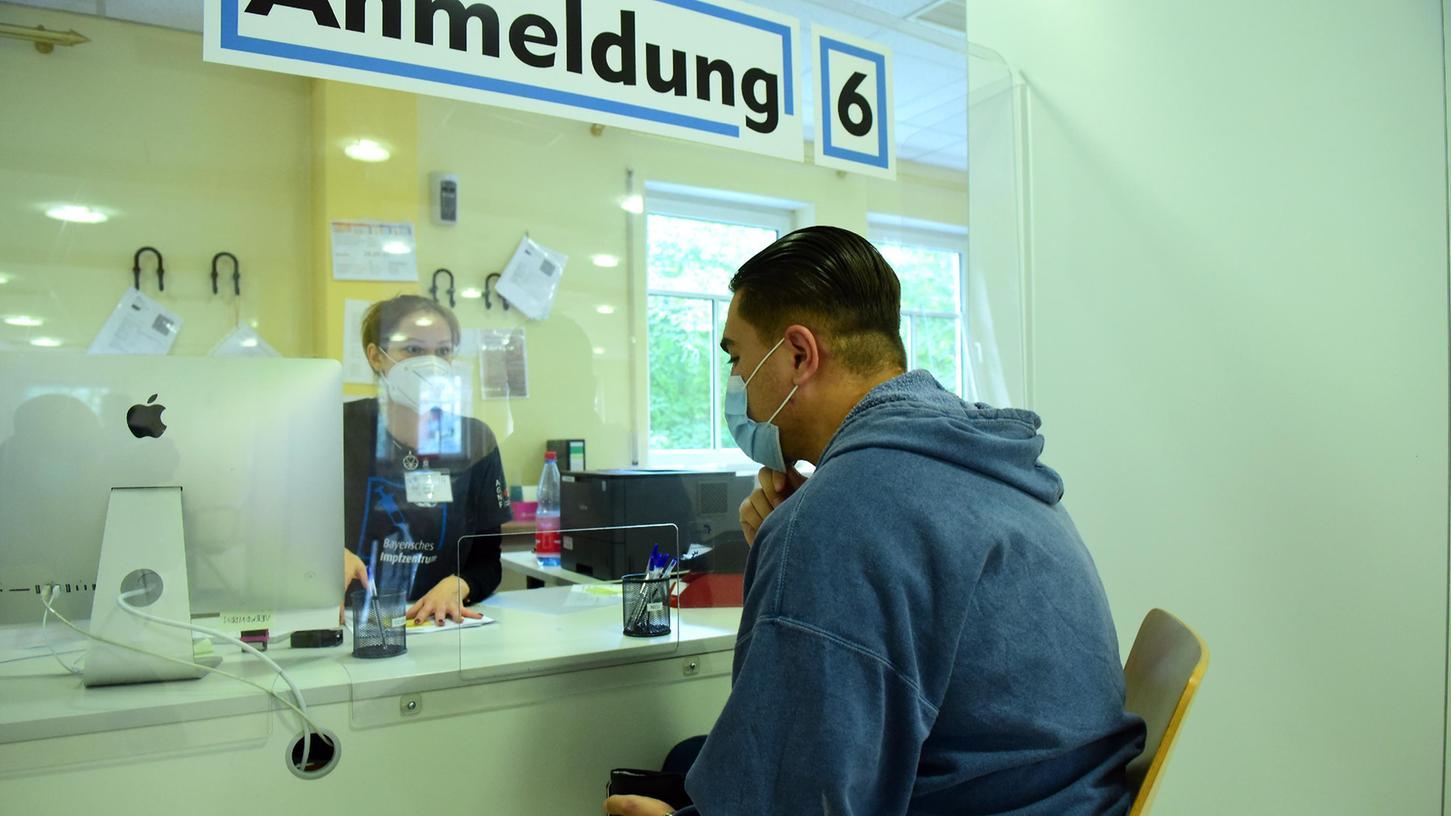 Wegen der Software-Panne kam es in den Impfzentren zu Verzögerungen(Symbolbild).