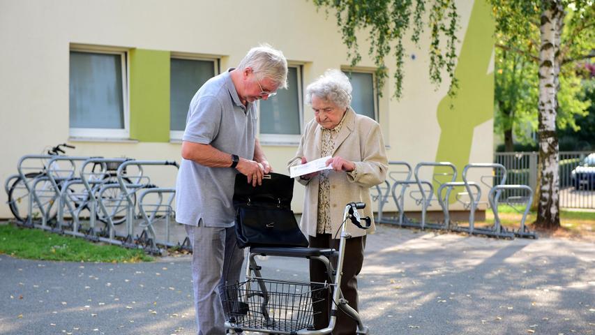 FOTO: Hans-Joachim Winckler DATUM: 26.9.2021 MOTIV: Bundestagswahl 2021 Bescuh in Fürther Wahllokalen - Hans-Böckler-Schule