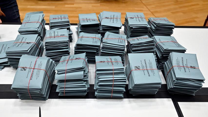 Mehr Menschen als zur Kommunalwahl haben sich diesmal im Wahlkreis Erlangen für die Briefwahl entschieden.