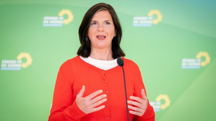 Die Grünen-Fraktionsvorsitzende Katrin Göring-Eckardt hat sich nach der 18-Uhr-Prognose zur Bundestagswahl zufrieden über das Abschneiden ihrer Partei geäußert.
