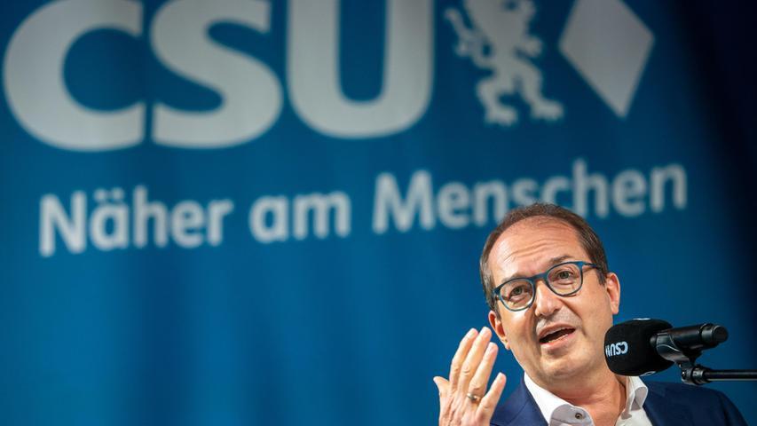 CSU-Landesgruppenchef Alexander Dobrindt sieht die Union trotz deutlicher Wahleinbußen am Zuge, Gespräche über eine neue Bundesregierung zu führen.