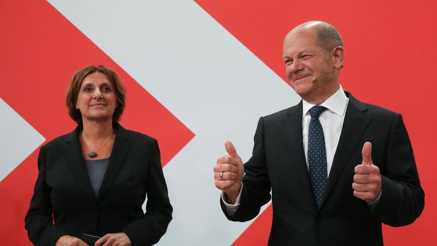 SPD-Kanzlerkandidat Olaf Scholz interpretiert das Wahlergebnis am Sonntagabend in Berlin als Auftrag: