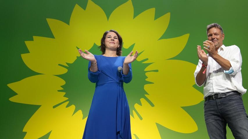 Grünen-Kanzlerkandidatin AnnalenaBaerbockhat das mutmaßliche Abschneiden ihrer Partei als das