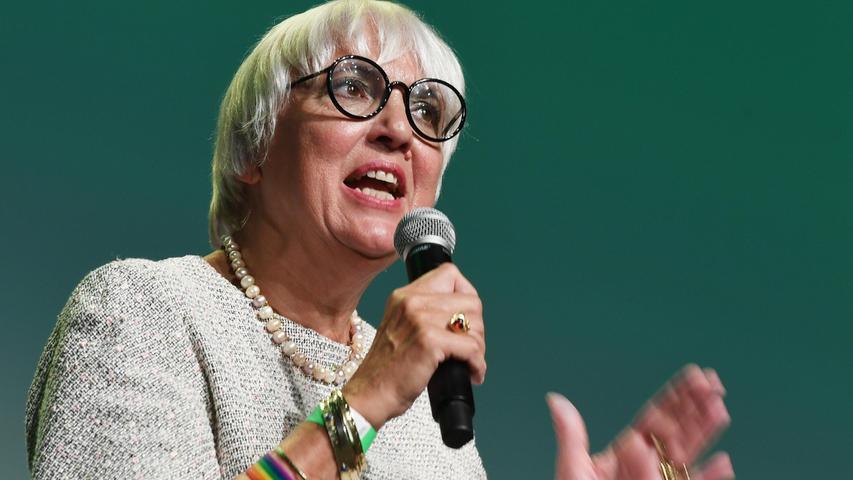 Die bayerische Grünen-Spitzenkandidatin Claudia Roth fordert für ihre Partei nach den Stimmgewinnen bei der Bundestagswahl eine Regierungsbeteiligung.