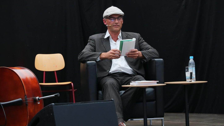 Eigentlich ist Wimmer Lehrbeauftragter für Philosophie in Bamberg. Aber hat mehrere Talente.