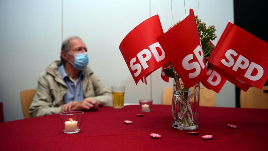 FOTO: Hans-Joachim Winckler DATUM: 24.9.2021 MOTIV: Bundestagswahl Wahlparty der SPD Fürth in er Max-Seidel-Begegnungsstätte mit MdB Carsten Träger