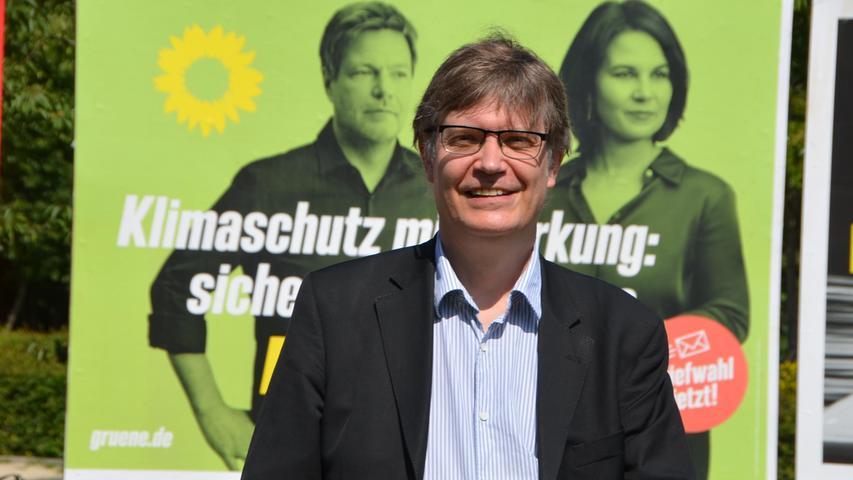 Sascha Müller, Landesschatzmeister der Grünen, schaffte über Listenplatz sechs bei den Grünen den Sprung nach Berlin. Der 51-jährige Finanzexperte wird seinen Beruf als Sportjournalist nun ruhen lassen. Müller ist Sohn der Nürnberger Torhüter-Legende Manfred Müller (